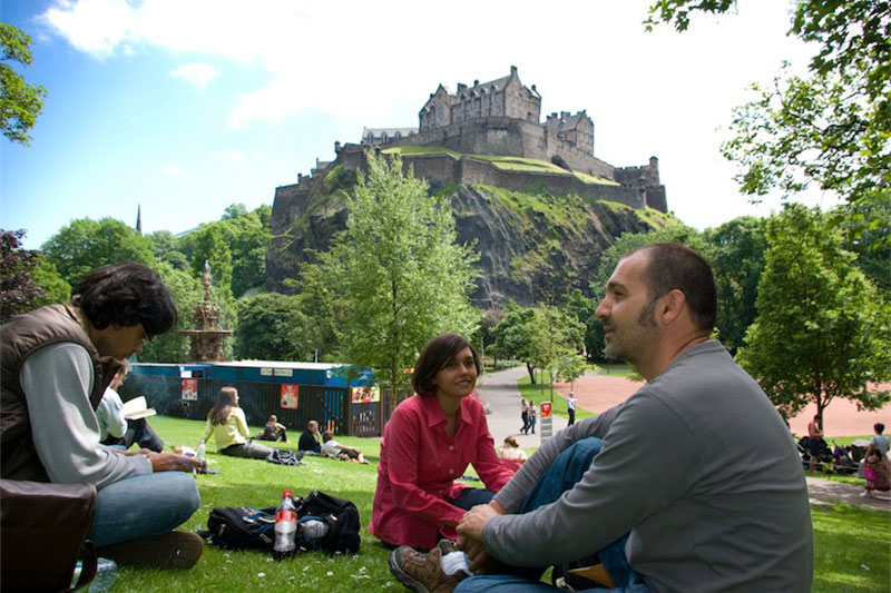Academic English summer course в школе ECS Scotland