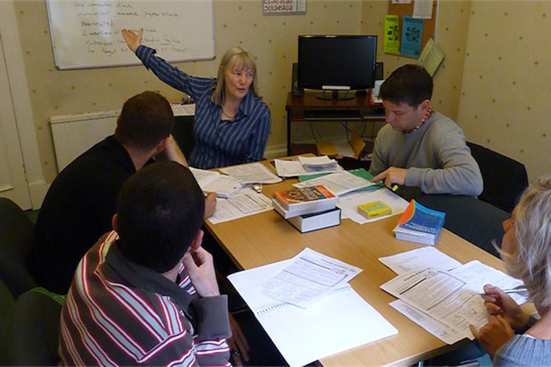 Business English course - Combination course в школе ECS Scotland