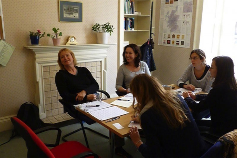 English for Tourism Services - Combination course в школе ECS Scotland
