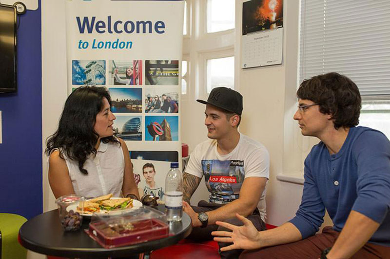 Обучение в Kaplan International Languages London Leicester Square